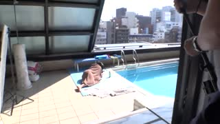 漂亮可爱妹子熊仓祥子泳池照