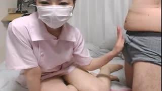 穿红色护士服诱惑我的小女友