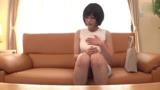 【中文字幕】隐性女变态想被男人玩弄却说是因为钱