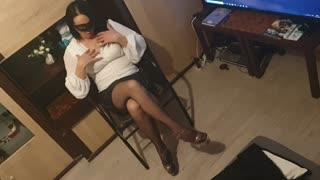Sexy Emilka shows off her original feet, it is one of her favorite fetishes