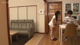 MIAA-271把姊姊的挑逗當真的處男弟弟的失控抽插