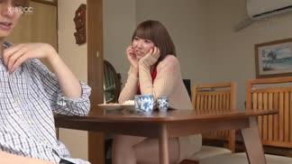 ROYD-041和久違回老家的姊姊一起洗澡…