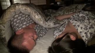 "PPPD-934在出差地旅舘,為了預算和兩位巨乳新人女同事同住一個房間!以""川""字形睡姿度過夜晚,被胸部夾在中間不由得勃起,就這樣不停抽插的2天1夜 朝日奈花戀 辻櫻"
