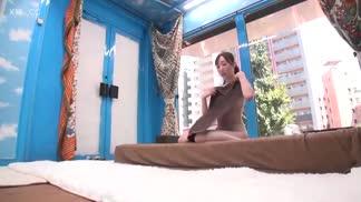 SDMM-079魔術鏡號「免費美容體驗!」對著前來體驗的女孩塗上潤滑液濕滑按摩 外表很樸實 其實私底下多次激情高潮的隠藏巨乳女孩!