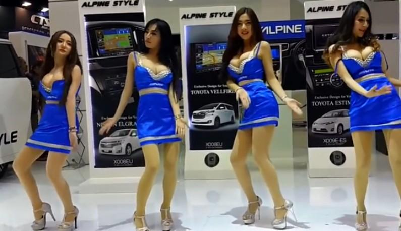 [东南亚] 车展模特跳到胸部快掉出来!!每一个都是人间胸器~