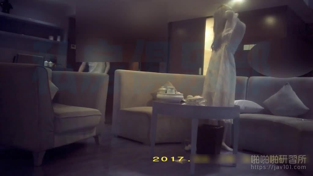 [本日招牌!]高冷蓝髮模特女神蕾丝内裤已湿透,经过时间等待终于成为囊中物!!
