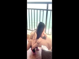 在海景房阳台约操啪啪